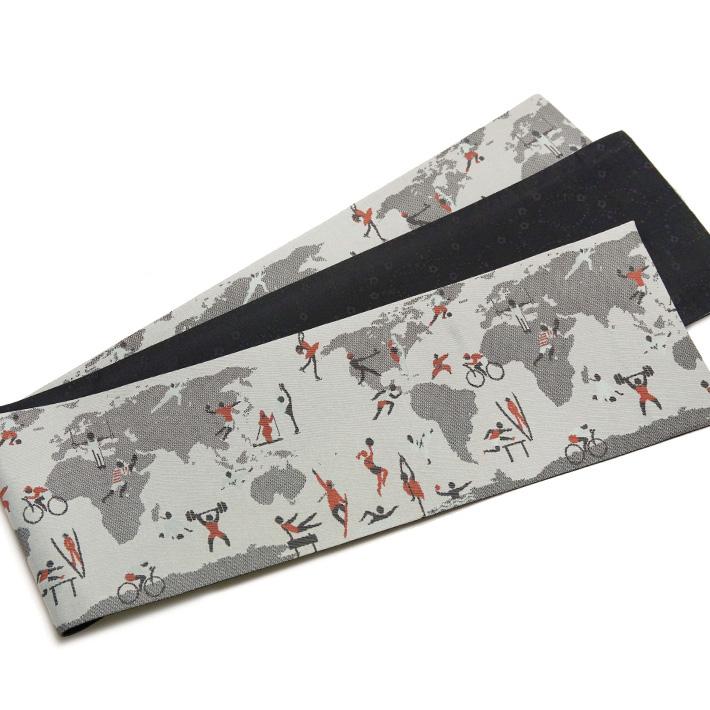 おりびと 半幅帯 正絹 オリンピック スポーツ 世界地図 グレー 黒 赤 長尺 運動 自転車 スキー 水泳