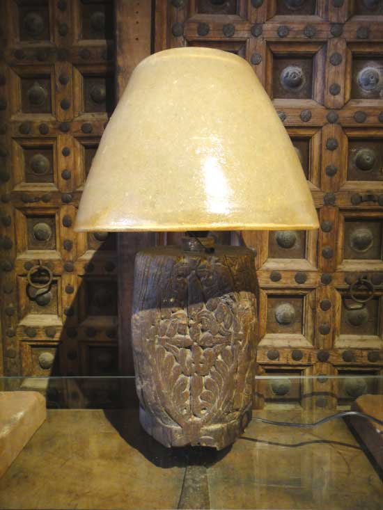 一点物 パキスタン 木製キャメルランプ テーブルスタンド 1