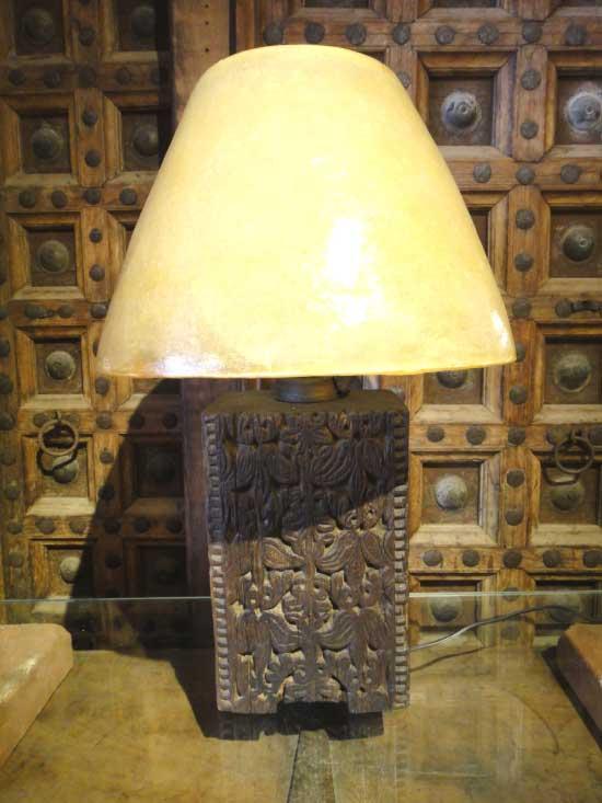 一点物 パキスタン 木製キャメルランプ テーブルスタンド 2