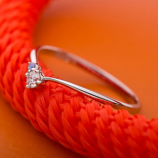 【鑑別書付】プラチナPT950 天然ダイヤリング 指輪 ダイヤ0.05ct アイスブルーダイヤ0.01ct 9.5号 V字モチーフ【日時指定不可】