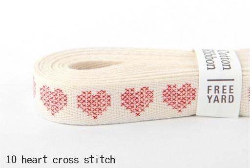 ハンドメイドはもちろんラッピングにも 特別価格~9 13月10:59 コットンリボン 10 メーカー公式ショップ heart cross 最新 stitch 紐 ラッピング リボン メール便対応 デコレクションズ