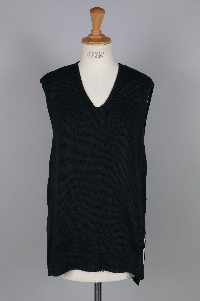 【40%OFF】Poara Sleeveless V-neck Tops(1702F07005) Florent(フローレント)