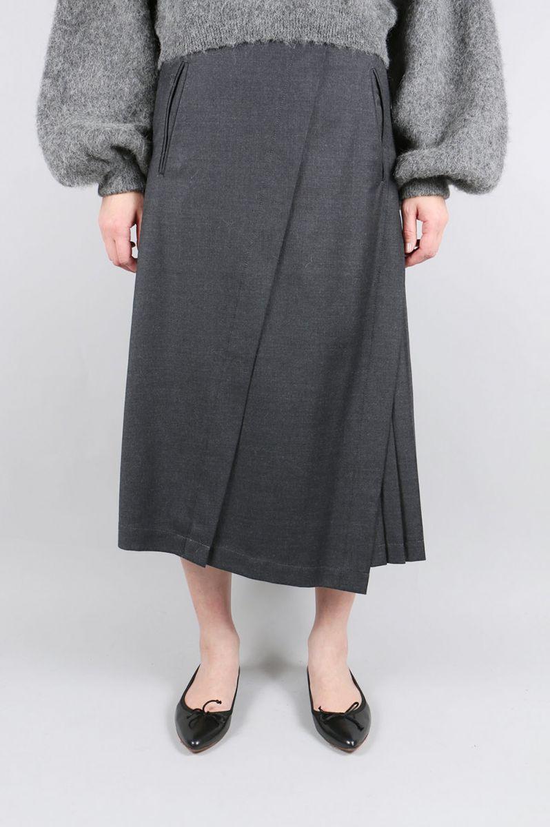 【50%OFF】Side Pleat Asymmetry Skirt (1708F03004) FLORENT(フローレント)