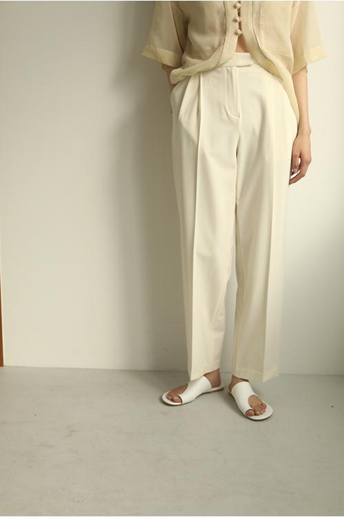 【予約会開催中】トゥデイフル レディース Tuck Tapered Trousers オフホワイト (R)【正規取扱店】