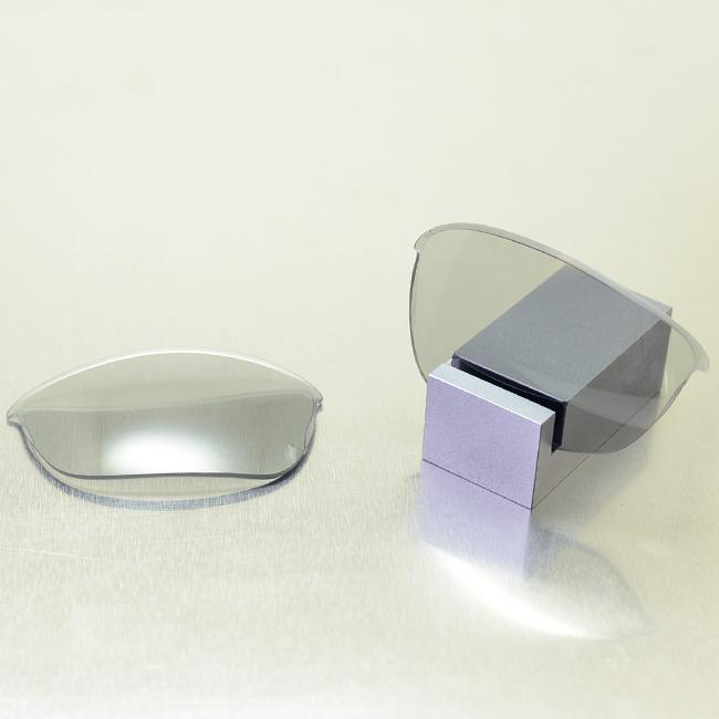 【GOODMAN LENS MANUFACTURE】グッドマンレンズマニュファクチャーOAKLEY HALFJACKET2.0オークリーハーフジャケット2.0用交換レンズ調光[ライトグレー→グレー]スタンダードシェイプ(OAKLEY-HALFJACKET-HJ20-P203)