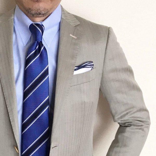 波 WAVE を意味するONDA model 父の日 父の日ギフト 驚きの価格が実現 MUNGAI ムンガイ ホワイト×ネイビー 激安通販販売 ポケットチーフ イタリア製 チーフ プレゼント ウェイブ ハンドメイド ギフト 国内正規品