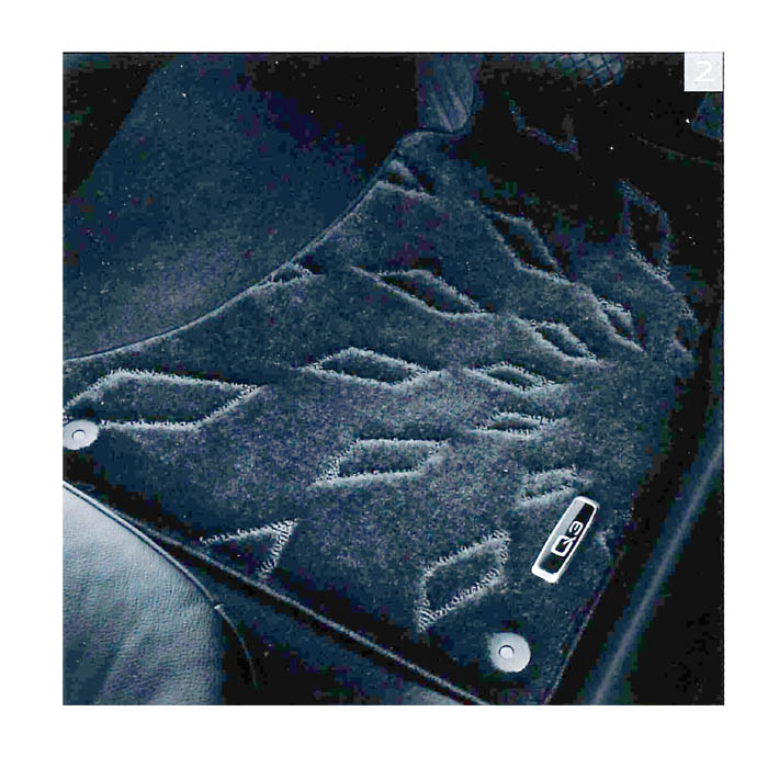 Audi純正 アウディ Q3純正 フロアマット ハイグレード J8UBM5R12HGBL4 ブラック