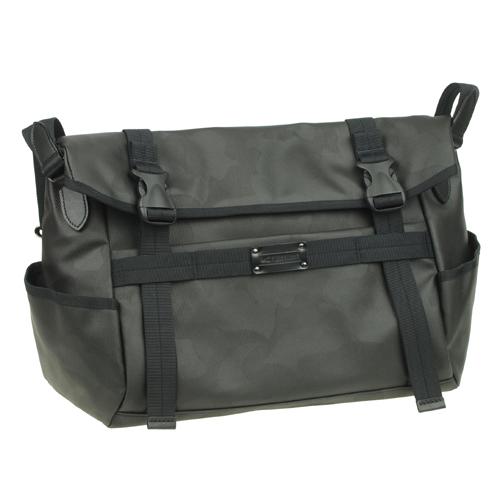 機能満載なショルダーバッグ!迷彩柄、メンズバッグ ビジネスバッグ 出張【送料無料】crossroad CS 501066