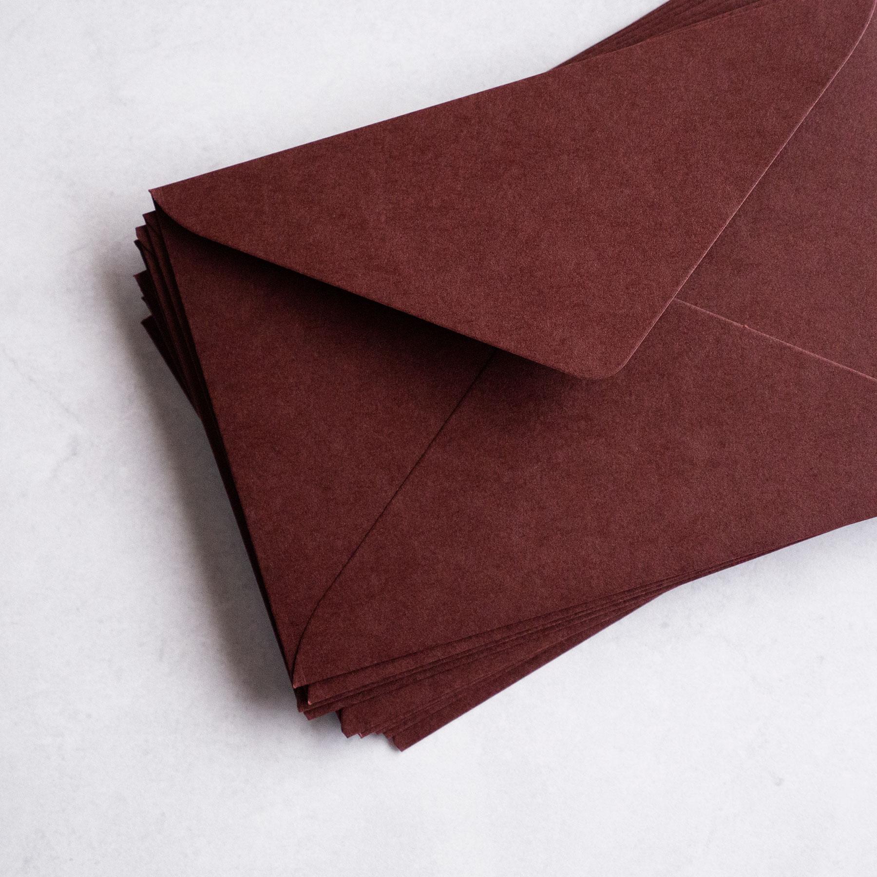 休み 18%OFF 結婚式の招待状で使用される 洋1サイズ の高級封筒 招待状用封筒 - 10枚入り col.Garnet