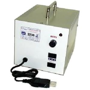 日章工業 アップ/ダウントランス(AC120⇔AC100V、2200W) SK-2200U