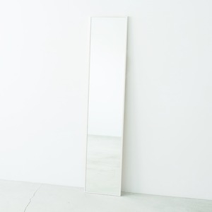 その他 細枠ウォールミラー 幅32cm(ホワイト/白) 天然木/姿見鏡/スリム/高級感/木製/飛散防止加工/壁掛け/北欧風/日本製/完成品/NK-6 ds-1604138