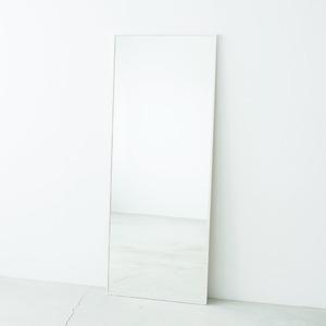その他 細枠ウォールミラー幅60cm(ホワイト/白) 天然木/姿見鏡/ワイド/高級感/木製/飛散防止加工/壁掛け/北欧風/日本製/完成品/NK-8 ds-1604147