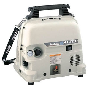 マキタ エアコンプレッサ 釘打機用 一般圧専用 コンパクトタイプ タンク容量5L タンク内最高圧力13気圧 AC700