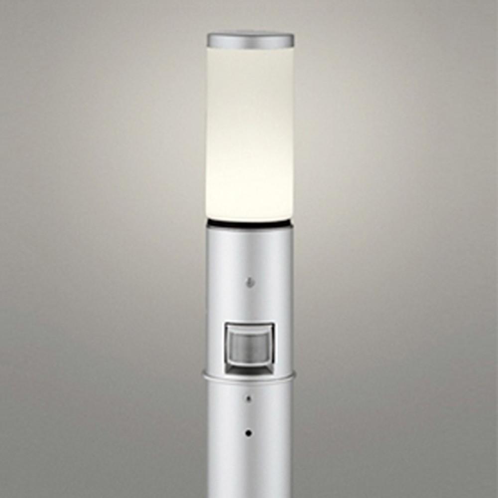 オーデリック LEDガーデンライト 防雨型 白熱灯60W相当 電球色 人感センサー付 地上高700mm マットシルバー OG254656LC