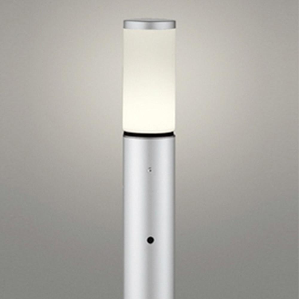 オーデリック LEDガーデンライト 防雨型 白熱灯60W相当 電球色 明暗センサー付 地上高700mm マットシルバー OG254658LD