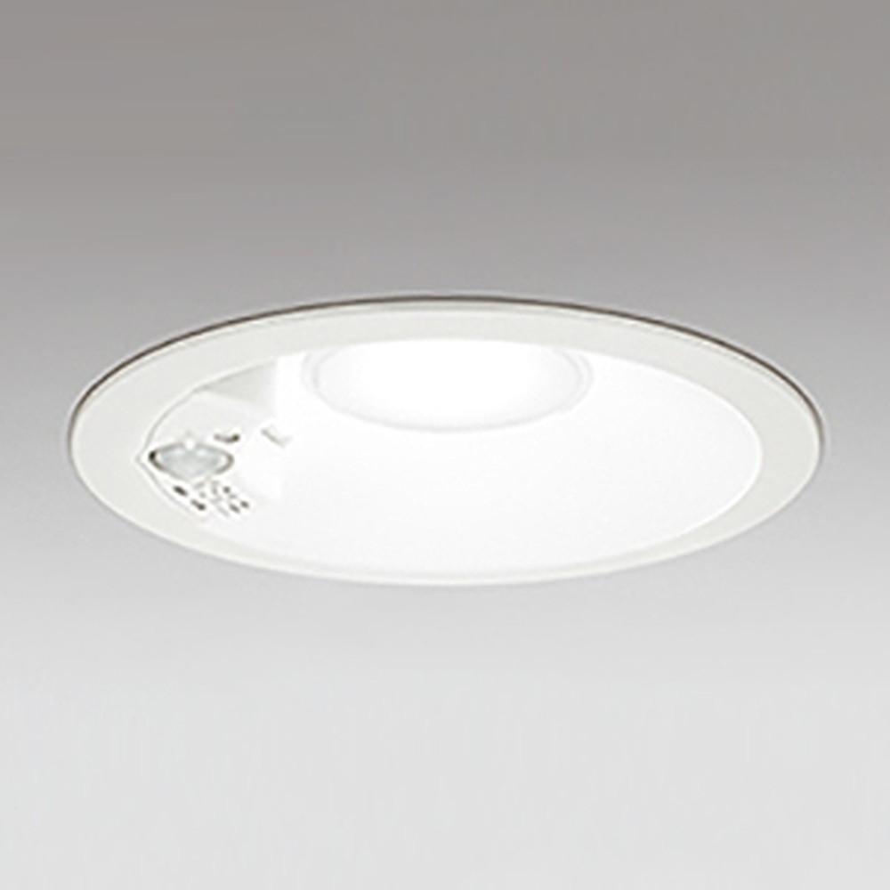 オーデリック LEDダウンライト 防雨型 軒下取付専用 浅型タイプ 高気密SB形 埋込穴150mm 白熱灯100W相当 電球色 人感センサ付 オフホワイト OD361206