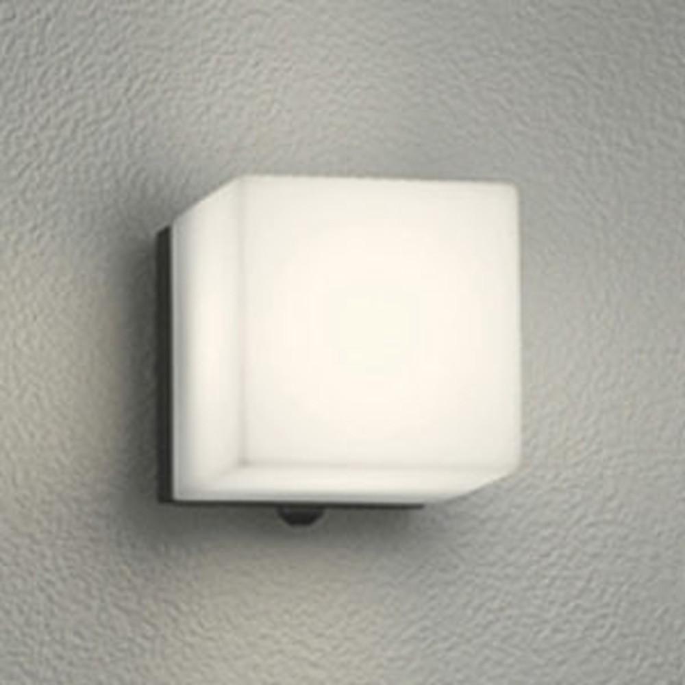 オーデリック LED一体型ポーチライト 防雨型 白熱灯60W相当 電球色 人感センサ付 黒 OG254292P1
