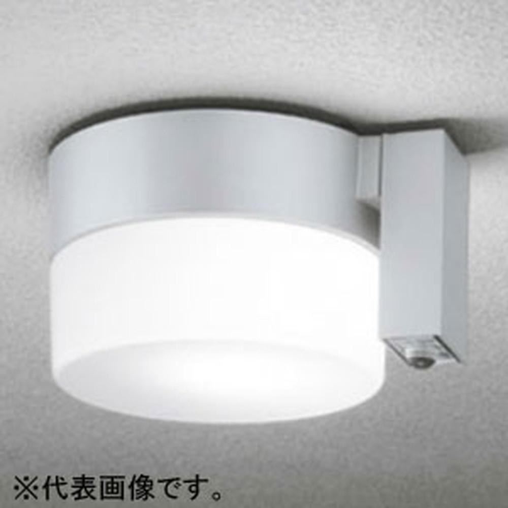 オーデリック LEDポーチライト 防雨型 軒下・天井面取付専用 白熱灯60W相当 昼白色 人感センサ付 マットシルバー OG254403NC