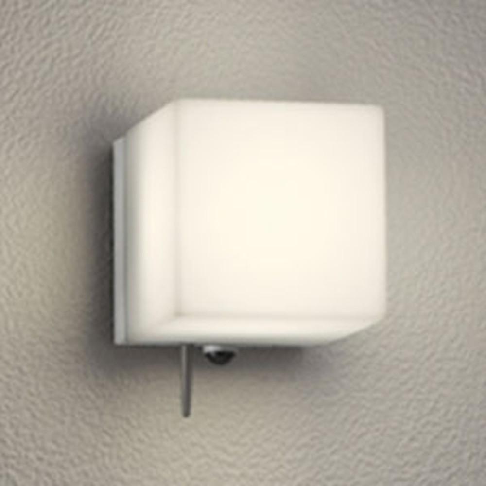 オーデリック LED一体型ポーチライト 防雨型 白熱灯60W相当 電球色 人感センサー・Bluetooth®通信アンテナ付 マットシルバー OG254825BC