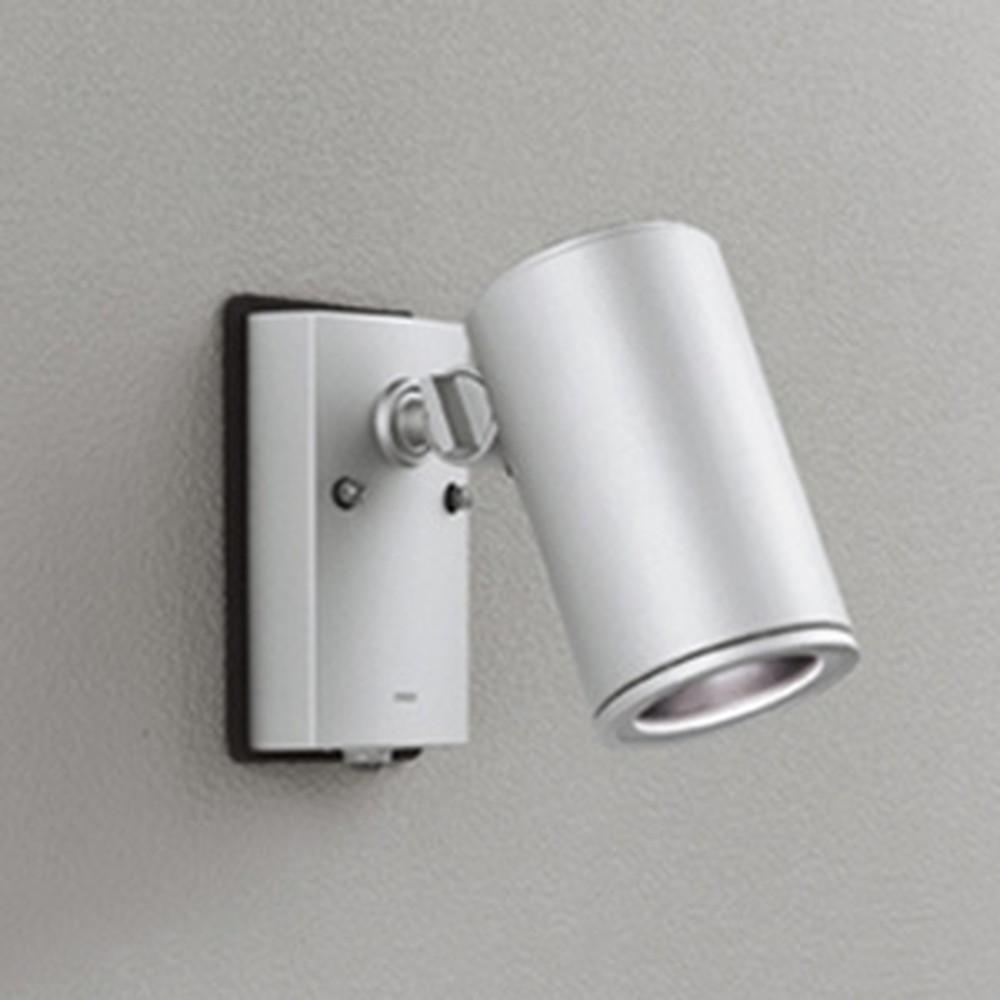 オーデリック LED一体型スポットライト COBタイプ 防雨型 ビーム球150W相当 昼白色 ワイド配光 人感センサ付 マットシルバー OG254710P1