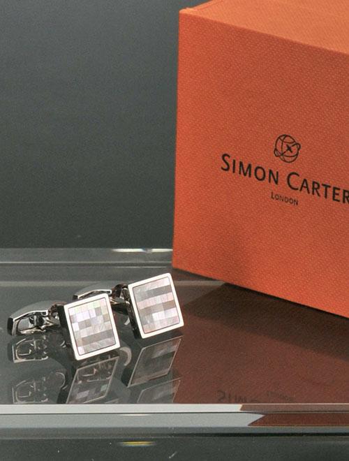サイモンカーター  SIMON CARTER グレー チェッカー柄 MOPパールタイル スクエア型カフリンクス Chequer メンズ カフス