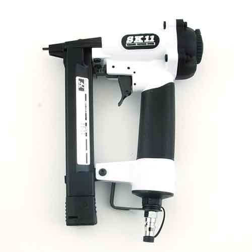 今ダケ送料無料 電動工具 エアーツールの建築用工具 高圧機器SA-T425L-X1 超軽量エアータッカーです セール価格 SK11 エアタッカーT425L SA-T425L-X1
