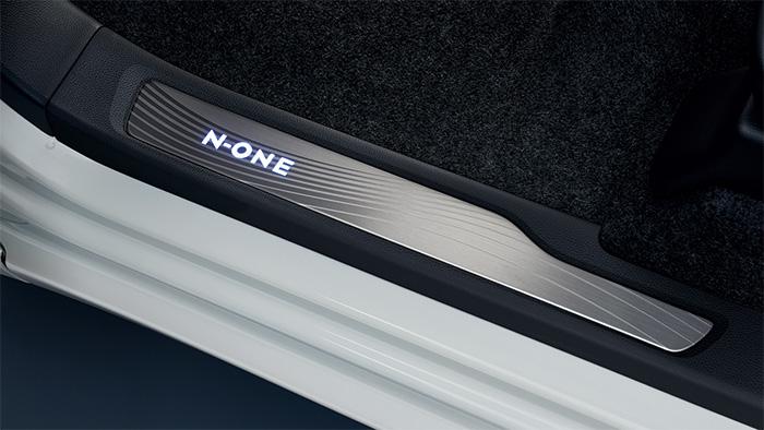 HONDA ホンダ 純正 NONE N-ONE エヌワン サイドステップガーニッシュ Premium系/RS用 2017.12~仕様変更 08E12-T4G-021