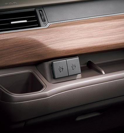 HONDA ホンダ 純正 USBチャージャー フロント用 Sパッケージ装備無し車用 08U57-TDK-010A | honda純正 ホンダ純正 GB5 GB6 GB7 GB8 FREED フリード フリードハイブリッド フリードプラス フリードプラスハイブリッド フリード+ FREED+ 充電 チャージャー 車 部品 パーツ