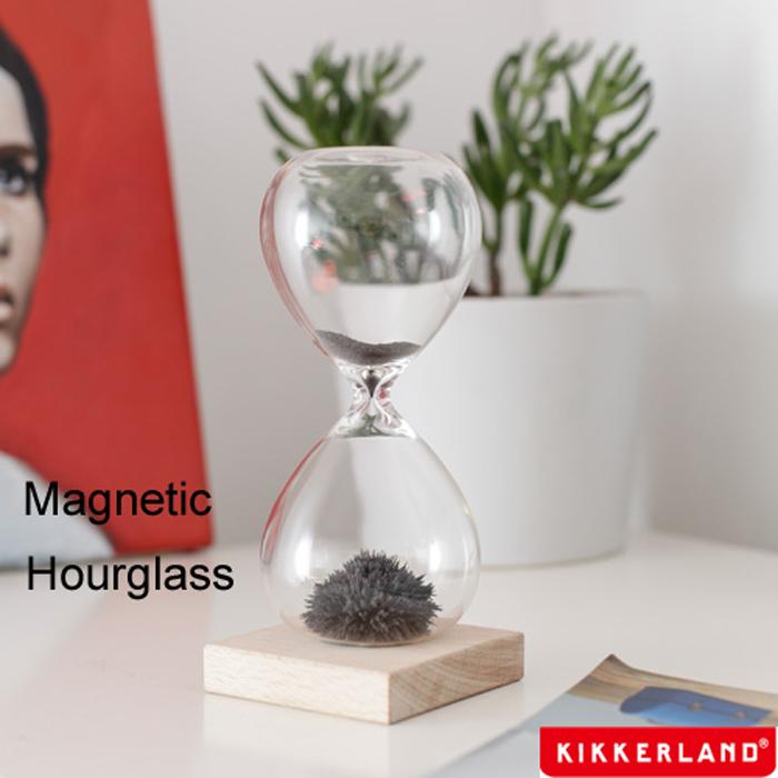 直営限定アウトレット kikkerland 砂鉄を用いた砂時計 不思議なアートをガラスの中に作り出す オブジェ インテリア 置物 日本未発売 キッカーランド 砂時計 マグネティックアワーグラス Hourglass 砂鉄 1分 おしゃれ Magnetic 磁石 KIKKERLAND あす楽