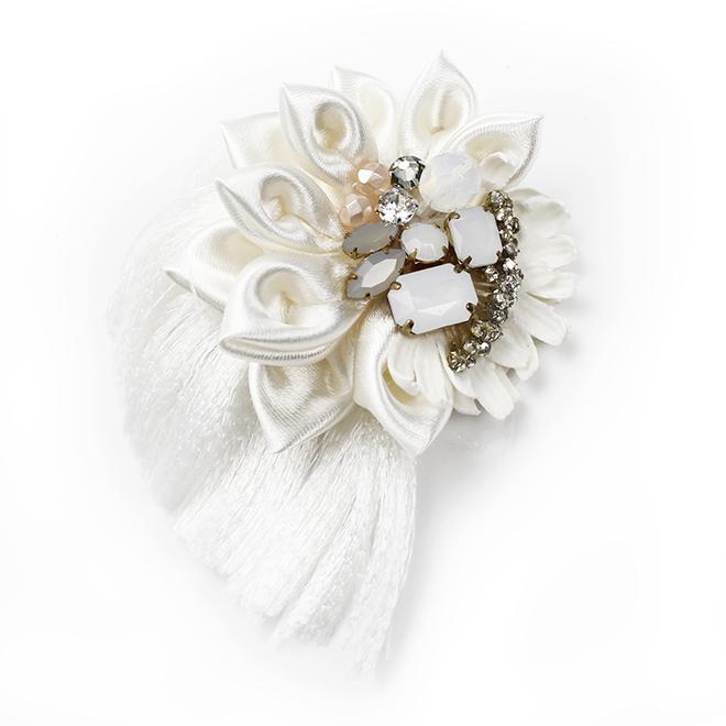 アトリエ染花 フラジフィブローチ ホワイト 1143600870-01|