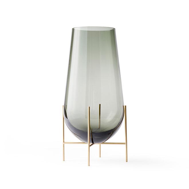 Design by 捧呈 Theresa 豊富な品 Arns MENU Echasse Vase Smoked イシャスベース 北欧インテリア 花器 おしゃれ フラワーベース 4795949 Living S スモーク 花瓶