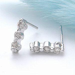 オーダー作成品 ホワイトゴールド(K18WG)&ダイヤモンド0.2ct スリーストーン ピアス 【送料無料】 10P03Dec16