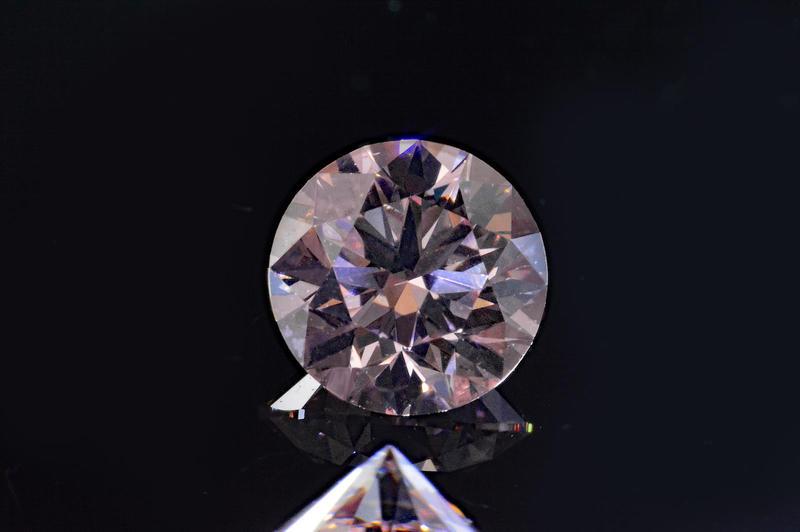 Beautiful Argyll grown pink diamond round 0 23 Carat 7 PR rose VS1 quality,  transparency and shine! Swan-Swan brilliant-Argyle production certificates