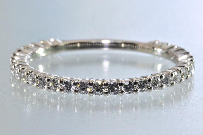 ダイヤモンドエタニティリングプラチナハートアローダイヤ専門店がお届けします0.3カラット前後1.4mm幅前後