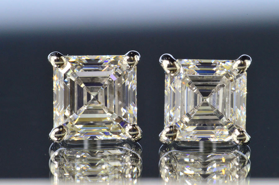 アッシャーカットダイヤピアストータル1カラット片方0.5カラットダイヤ一粒ピアスプラチナ美人必須アイテム!アッシャーカットダイヤさんの透明感がお顔を透明感で包んでくれます!ダイヤGIA鑑定書つきダイヤ鑑定書鑑別書