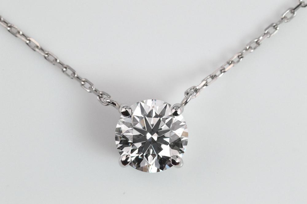 0.5カラットダイヤモンド一粒ペンダントDカラーVVS2トリプルエクセレントハート&アロー プラチナ 4本爪が可愛いGIA鑑定書刻印つき
