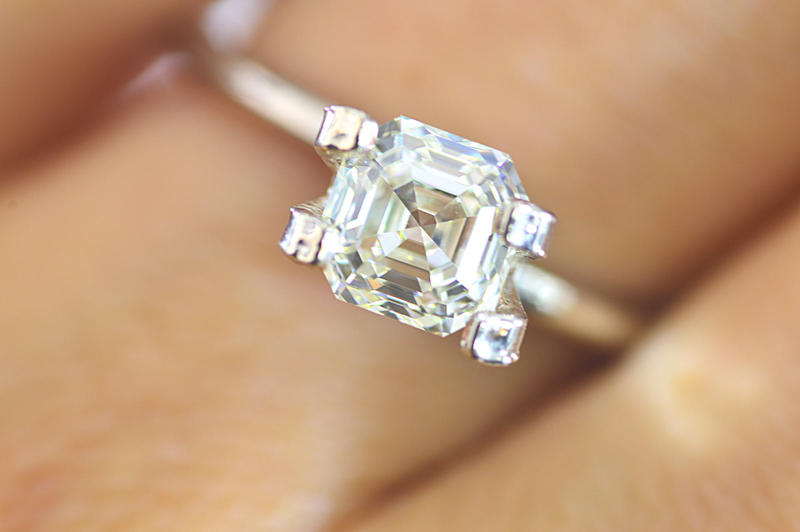 of i k warmth your oval show love topic l s has hint diamond an to n diamonds clarity absolutely it colored me the color
