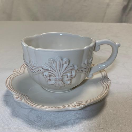 カップ ソーサー おうち時間 アンティーク調 コーヒー お茶 フレンチリリーのレリーフがおしゃれなカップ フルールカップ 誕生日プレゼント インテリア 容量300ml お中元