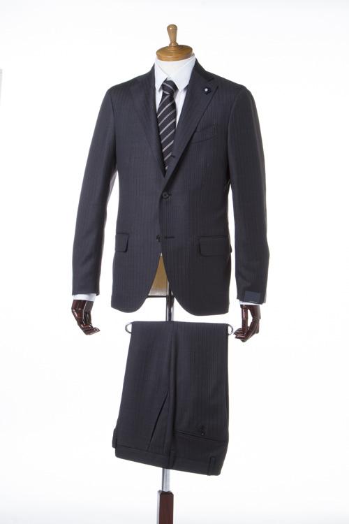 【期間限定10%OFFクーポン配布】ラルディーニ LARDINI スーツ 3つボタン サイドベンツ シングル BTBM8271.0287 ブートニエール メンズ EC485AQ BTB8271 ダークグレイ 送料無料 10%OFFクーポンプレゼント 【ラッキーシール対応】