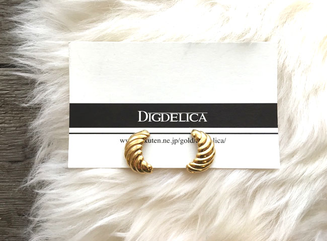 【GIVENCHY】ジバンシィ・ムーンロアヴィンテージイヤリングEARRING 月 MOON GOLD ・v1152【DIGDELICA】ディデリカ
