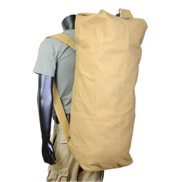 バックパックのように使うことが出来るダッフルバッグ Rothco ダッフルバッグ GIスタイル ダブルストラップ 税込 帆布 コヨーテ 3426 ミリタリー カジュアルバッグ 鞄 かばん バックパック スポーツバッグ 爆売り カバン 雑嚢 ジムバッグ