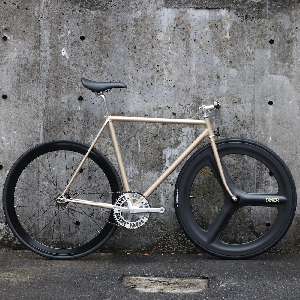 ピストバイク CARTEL BIKES JAPAN PRIDE 3SPOKE CUSTOM カーテルバイクス ジャパンプライド