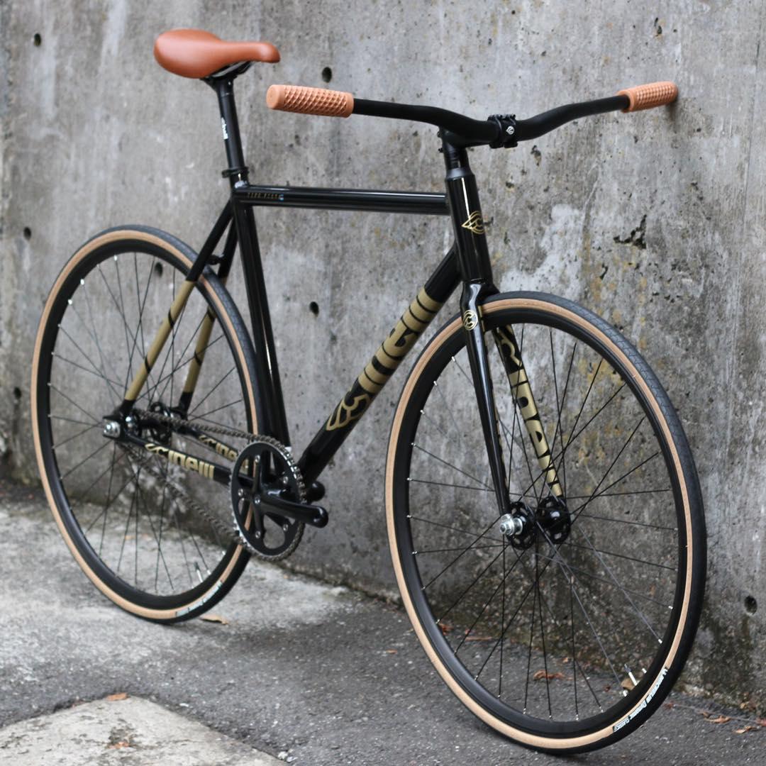 ピストバイク 完成車 CINELLI TIPO PISTA COMPLETE BIKE BLACK AND GOLD CUSTOM BIKE チネリ ティポピスタ ブラック アンド ゴールド