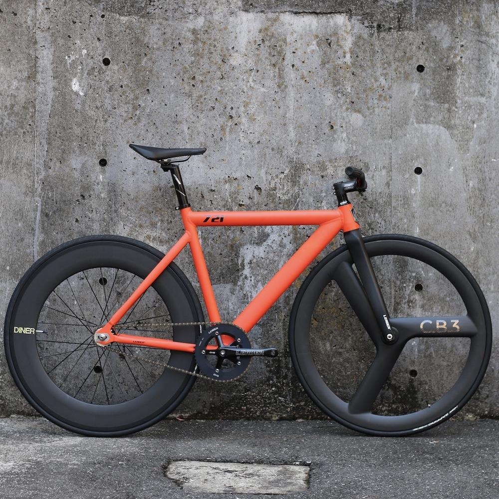 ピストバイク 完成車 LEADERBIKE 721 Matte Orange CUSOM BIKE リーダーバイクス 【自転車 バイク スポーツバイク 完成品 アルミ 軽量 カスタム カスタムバイク ベース フリーギア 固定ギア 初心者 シンプル おしゃれ オレンジ】