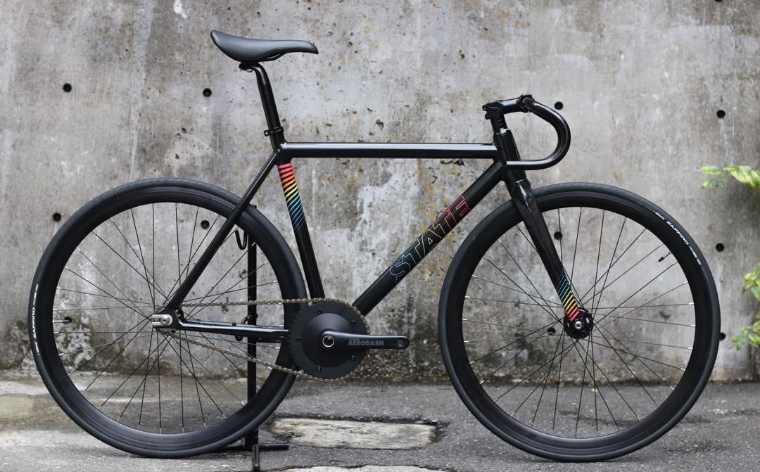ピストバイク 完成車 STATEBICYCLE Undefeated2 Black Prism Edition ステイトバイシクル アンディフィーテッド2 ブラックプリズム エディション PISTBIKE