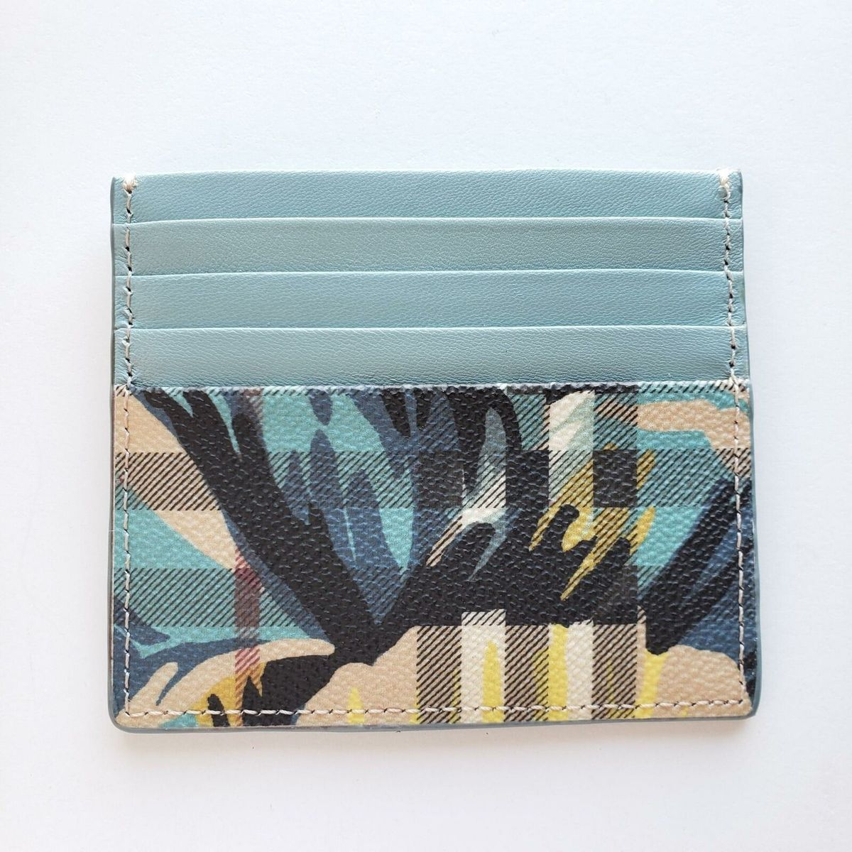Burberry バーバリー フラワー チェックレザー ツートン カードケース 財布 ベージュ Flower Check Leather Two-Tone Card Case Wallet Beige