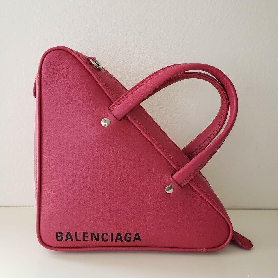 Balenciaga バレンシアガ トライアングル レザーダッフル クロスボディバッグ XS ピンク Triangle Leather XS Duffle Crossbody Bag Pink