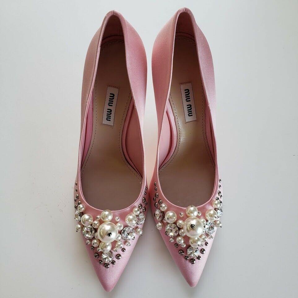 Miu Miu ミュウミュウ ビジューサテン パンプス ピンク Pointed Toe Embellished Satin Shoes