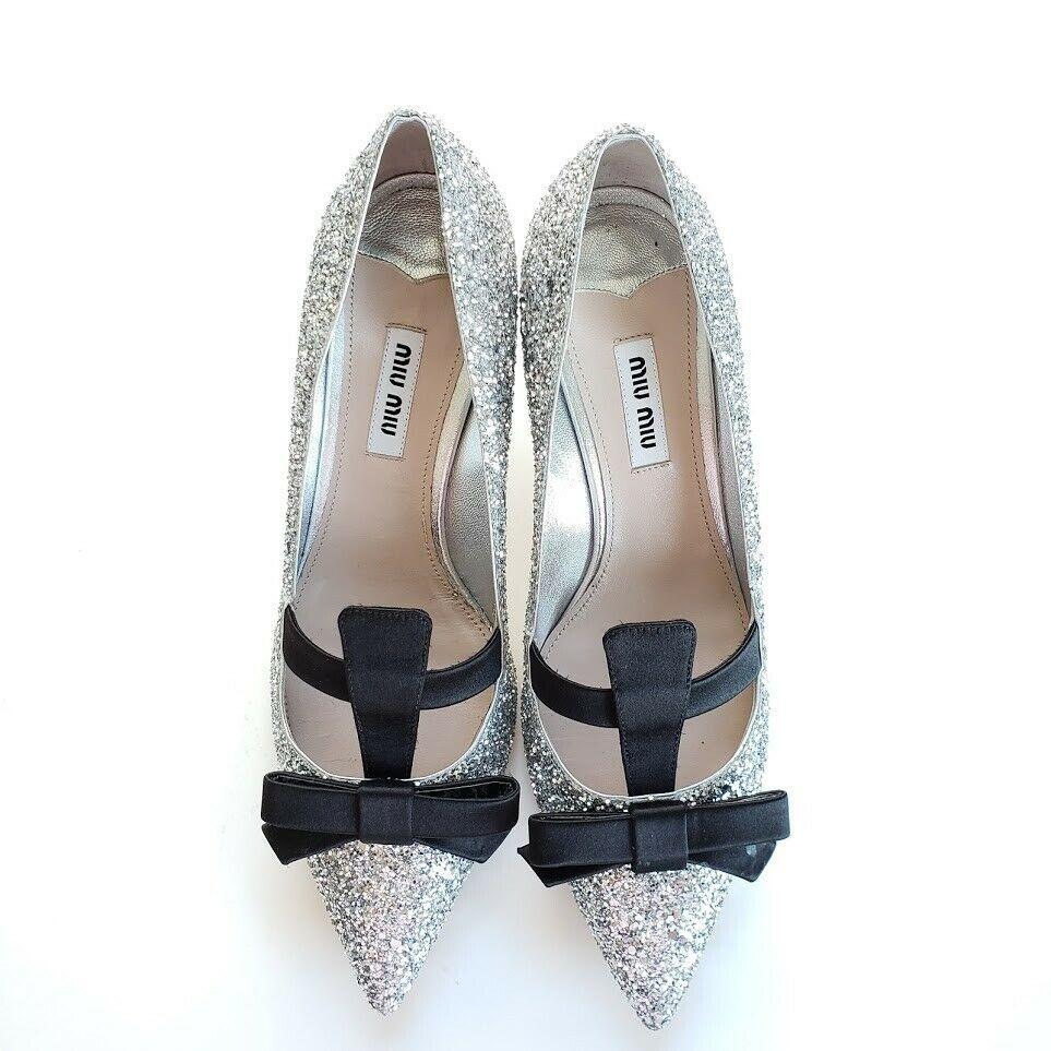 Miu Miu ミュウミュウ ブラックサテンリボン グリッターパンプス シルバー Silver Argento Glitter Pumps with Black Satin Bow Heel Shoes