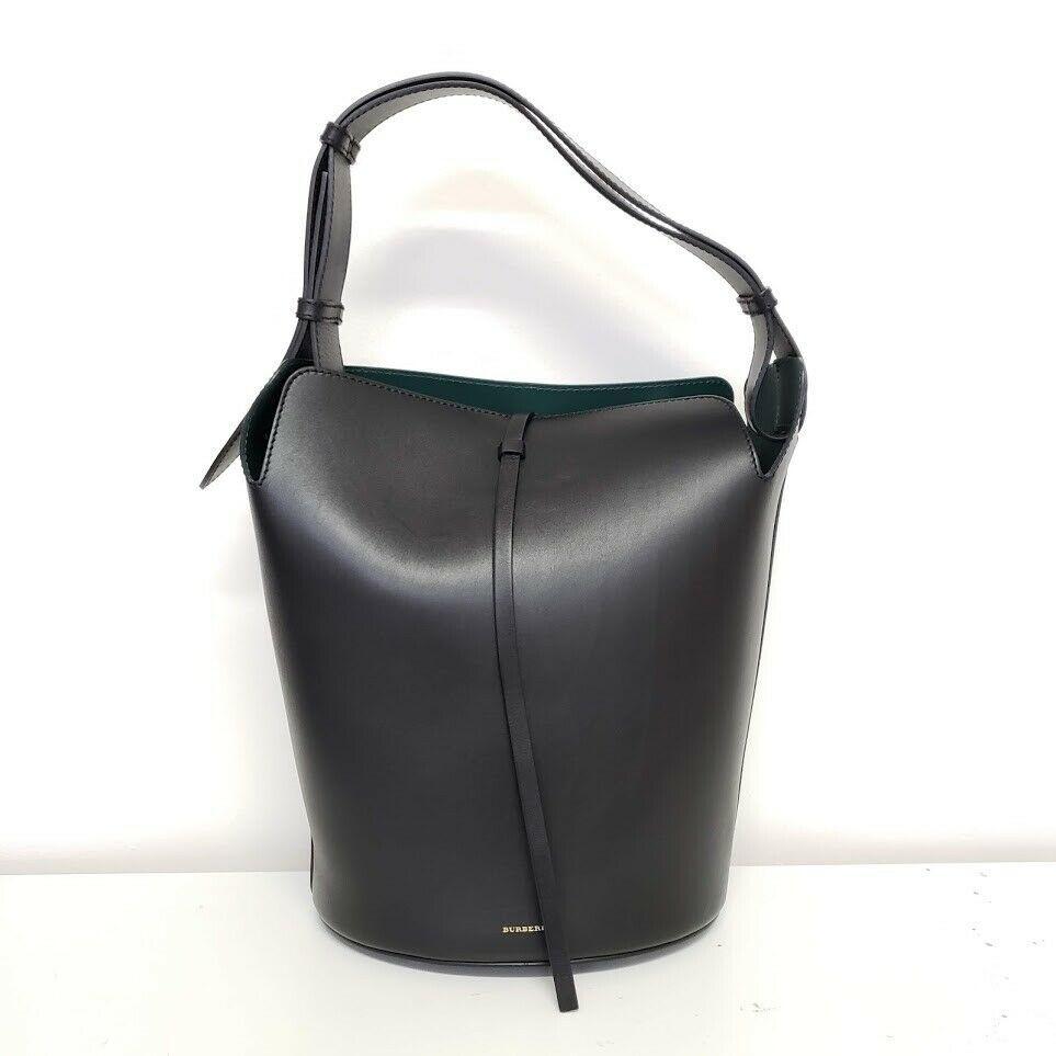 Burberry バーバリー ラージ バケット レザー バック ブラック Large Bucket Leather Bag Black